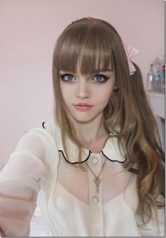 زیباترین دختر 16 ساله جهان معروف به باربی