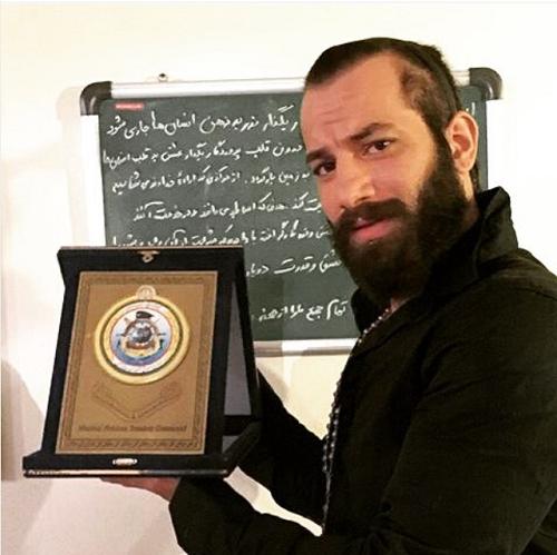 تقدیر ارتش از امیر تتلو برای موزیک ویدئو خلیج فارس