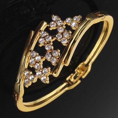 دستبند طلا نگین دار