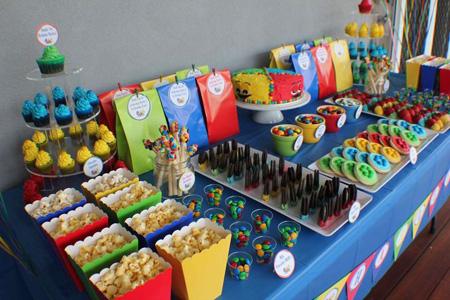 تم جشن تولد،تزئین میز جشن تولد