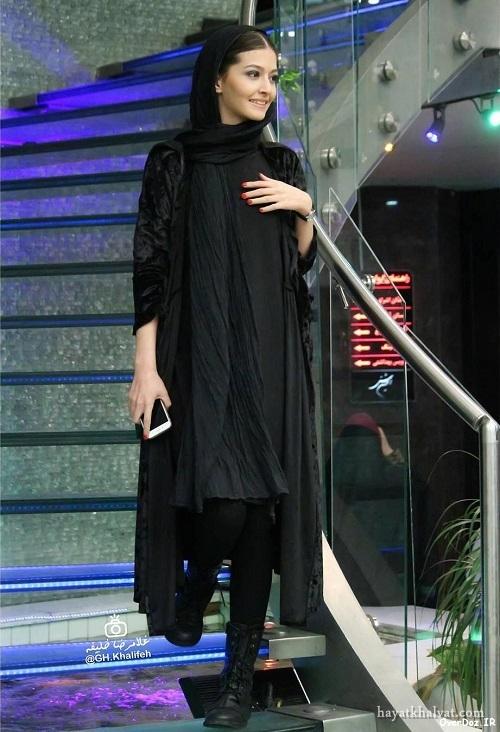 پردیس احمدیه در اکران فیلم لاک قرمز