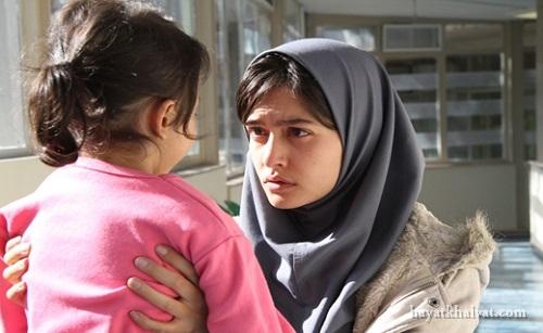 پردیس احمدیه در فیلم سینمایی لاک قرمز