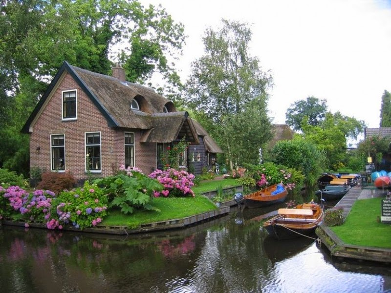 روستای زیبا گیتورن (Giethoorn) در هلند