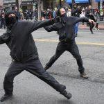 تصاویری از درگیری و خشونت همزمان با روی کار آمدن ترامپ
