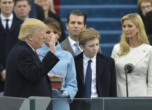 علت ناراحتی همسر ترامپ در مراسم تحلیف چه بود