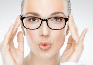 روش های طبیعی برای از بین بردن جای عینک