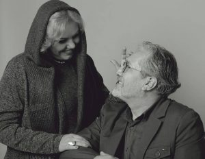 بیوگرافی و جدیدترین عکس های افسانه چهره آزاد و همسرش شاهرخ فروتنیان