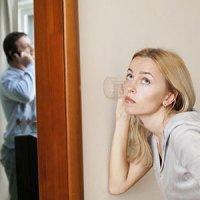 با همسر بی اعتمادم چگونه رفتار کنم؟