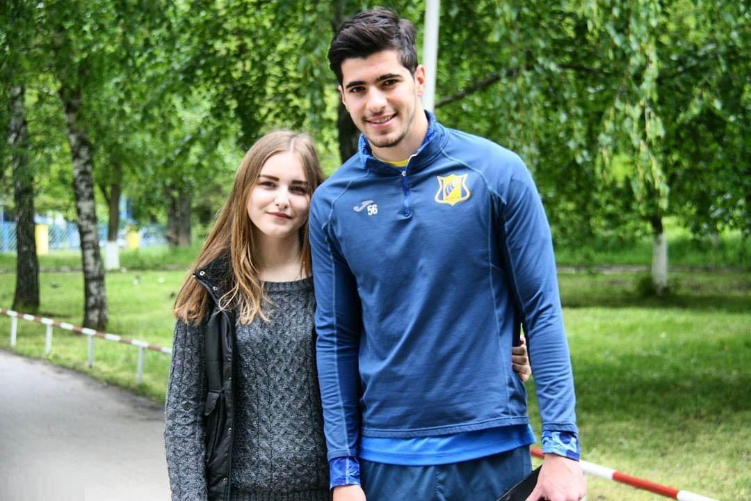 عکس سعید عزت اللهی با دختر روس
