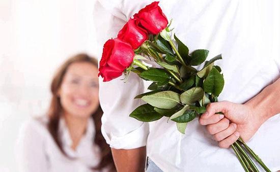 نشانه های مردی که عاشق شماست