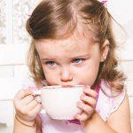 ضرر های مصرف چای برای کودکان