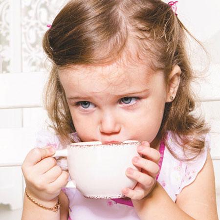 ضرر های مصرف چای برای کودکان , تغذیه کودکان
