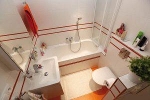 ۶ اشتباه در تمیز کردن حمام