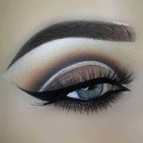 آرایش چشم خطی