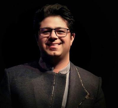حجت اشرف زاده خواننده سنتی ایرانی