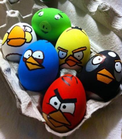 رنگ کردن تخم مرغ عید برای کودکان