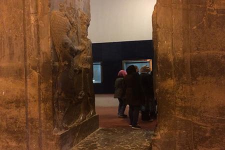 آشنایی با موزه تخت جمشید + تصاویر