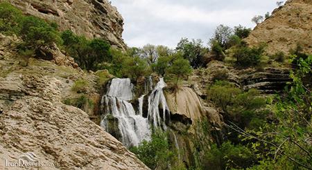 آبشار «تنگ تامرادی» مکانی زیبا در استان کهگیلویه و بویراحمد
