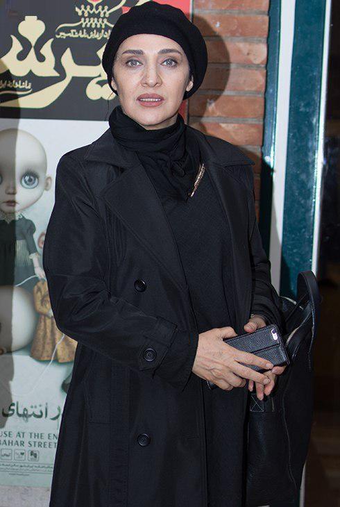رویا نونهالی در پشت صحنه تئاتر حضرت اشرف