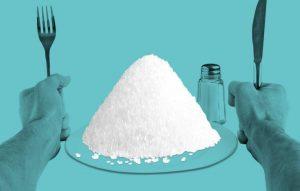 چگونه نمک باعث چاق شدنمان می شود؟
