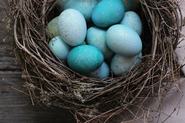 روش های ساده رنگ کردن تخم مرغ عید