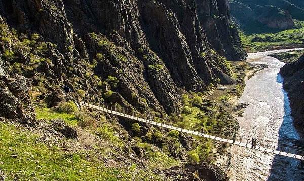 بلندترین و ترسناکترین پل معلق ایران