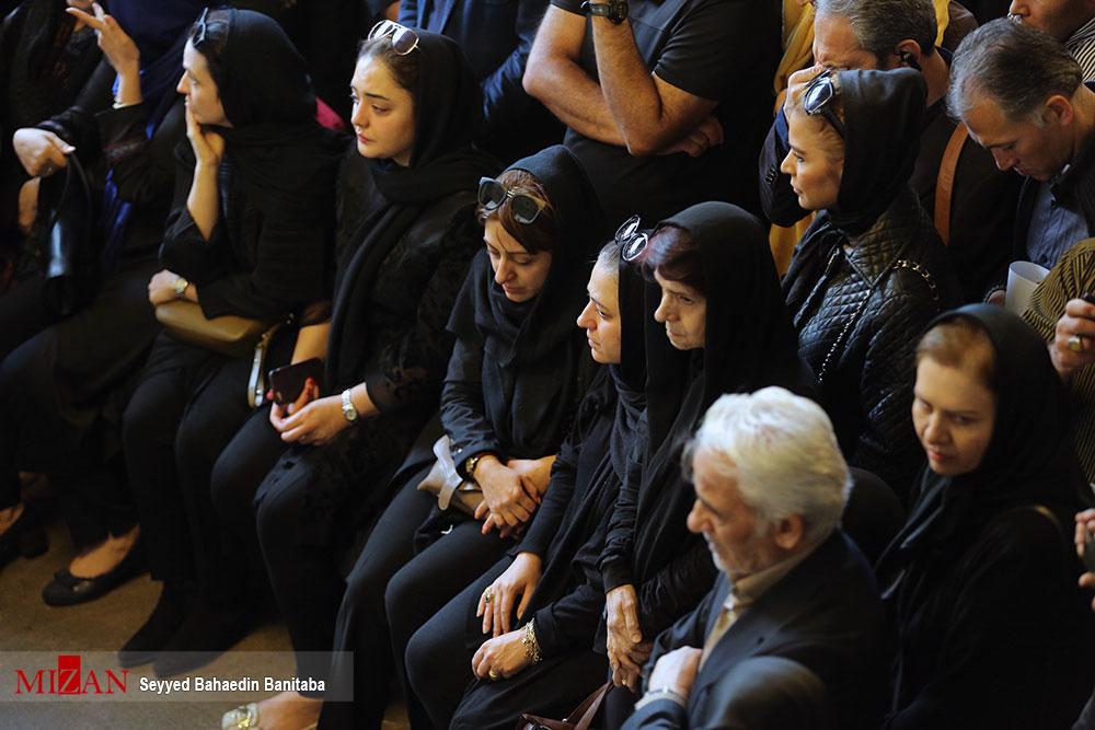 هنرمندان در مراسم تشییع عارف لرستانی