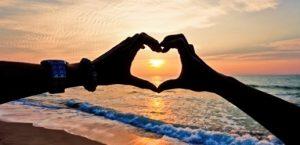 ۱۰ راه برای عمیق تر کردن رابطه عاشقانه تان