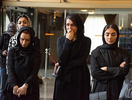 الیکا عبدالرزاقی در مراسم تشییع عارف لرستانی