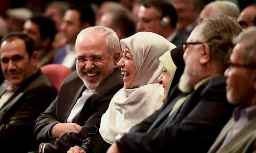 دکتر ظریف و همسرش در جشنواره فیلم فجر