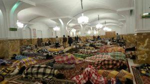 ساکنین مشهد دیشب را به امام رضا پناه بردند + عکس