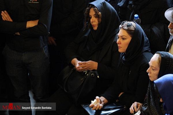 تصاویر هنرمندان در مراسم تشییع عارف لرستانی