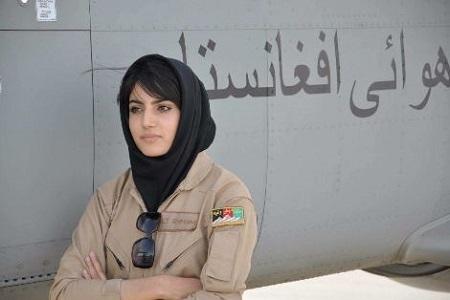 نیلوفر رحمانی ، زیباترین خلبان زن دنیا