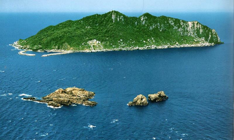 جزیره ژاپنی که ورود زنان به آن ممنوع است + عکس