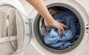 روش های شستشوی صحیح انواع لباس با ماشین لباس شویی