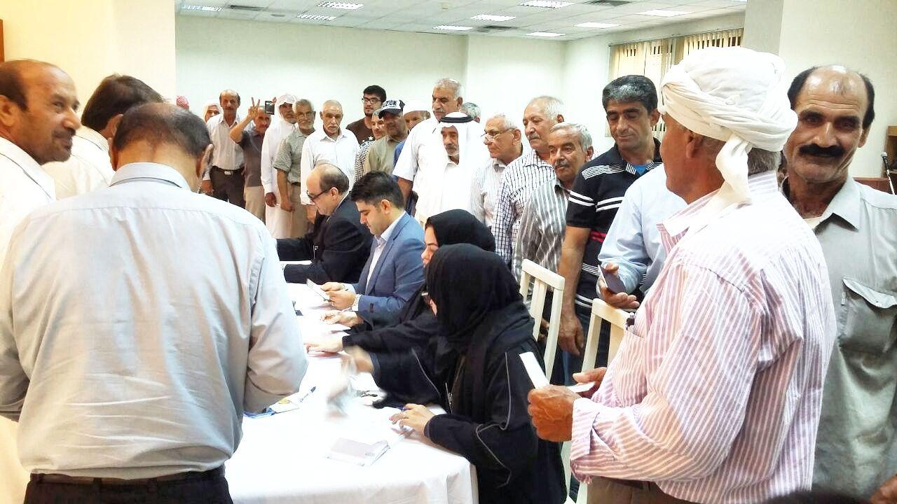 صف رای دهنندگان ایرانیان مقیم قطر