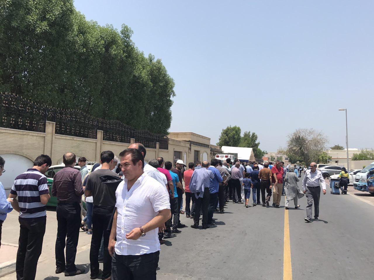 حمید استیلی در کنسولگری ایران در دوبی