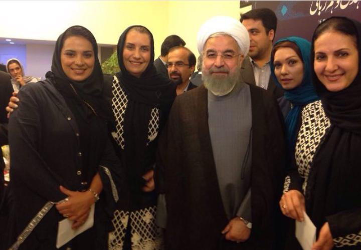 دکتر روحانی و جمعی از بازیگران زن معروف
