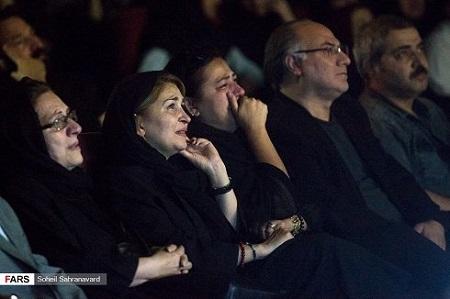 الهام ناصری در مراسم چهلم عارف لرستانی