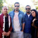عکس مهرداد صدیقیان در کنار پدر و مادرش و بردارش