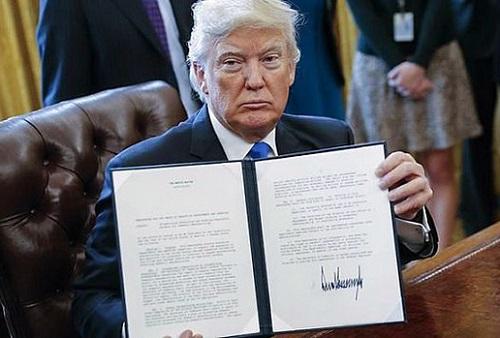 فرمان ضد مهاجرتی ترامپ رسما اجرایی شد