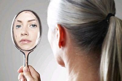 راه های جلوگیری از سفید شدن مو