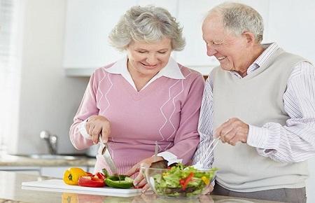 ویتامین های ضروری زنان سالمند
