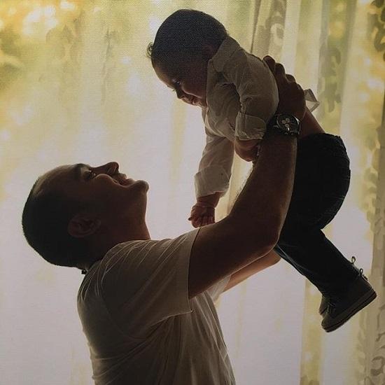 احسان کرمی و پسرش