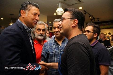 سپند امیرسلیمانی در افتتاحیه فروشگاه جدید علی دایی
