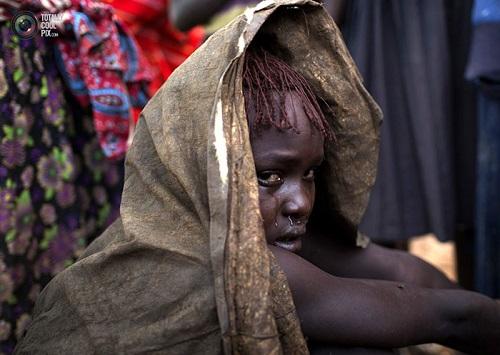 تصاویر دردناک از ختنه دختران جوان در آفریقا