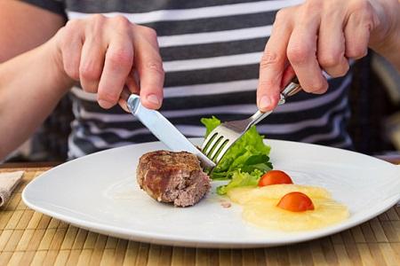 عوارض و نشانه های تغذیه نامناسب و نخوردن غذای کافی
