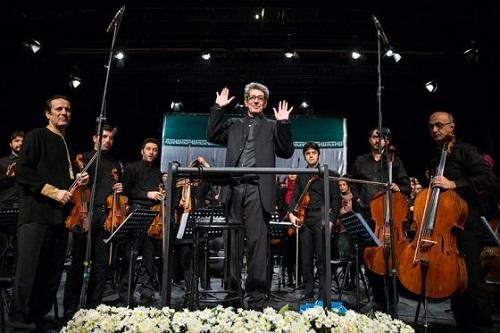 عکس نادر مشایخی آهنگسار و رهبر ارکستر