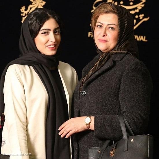 ساناز طاری و مادرش