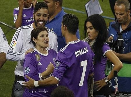 مادر رونالدو با نامزد جدیدش هم اختلاف پیدا کرد!+علت اختلاف